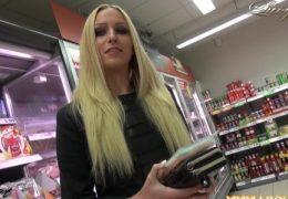 Lucy Supermarkt ficken